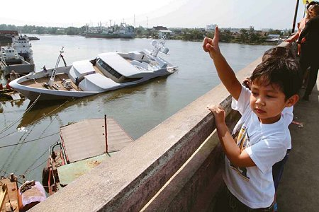 Luxury 60m superyacht sinks in the Tha Chin River, Thailand - Photo Credit Chanat Katanyu / Bangkok Post