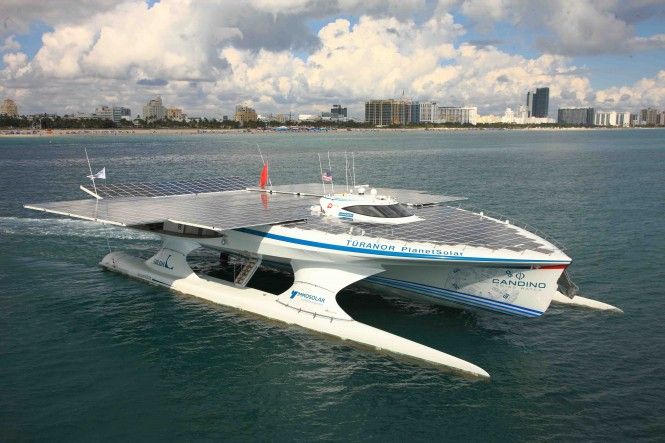 MS TÛRANOR PLANETSOLAR in Miami setting course to Cancún for the World Climate Change Conference