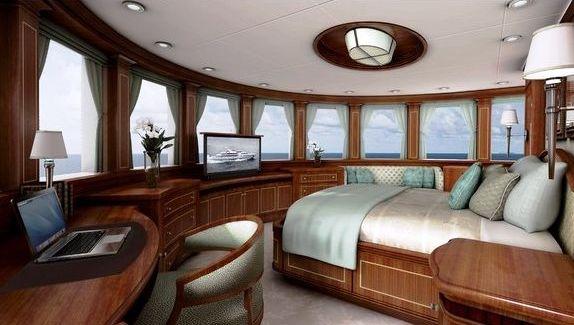 Newcastle 5500 Yacht Upper Deck Master