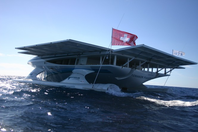 MS TÛRANOR PLANETSOLAR arrives in the Galapagos Islands