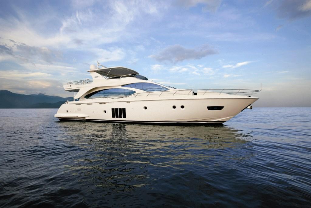 Yachts news: Azimut 82 Yacht