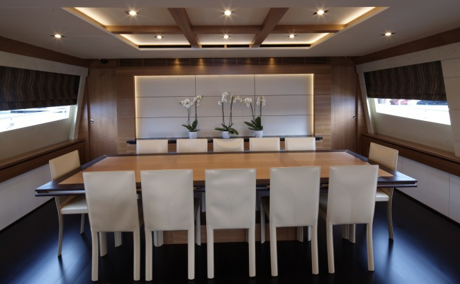 Couach 3700 Motor Yacht Arion dining area