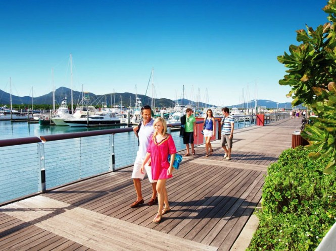 Cairns, boardwalk