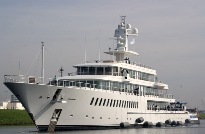 The Feadship XL 88 m Musashi Yacht pictured here is Yacht FOUNTAINHEAD'S near sister ship