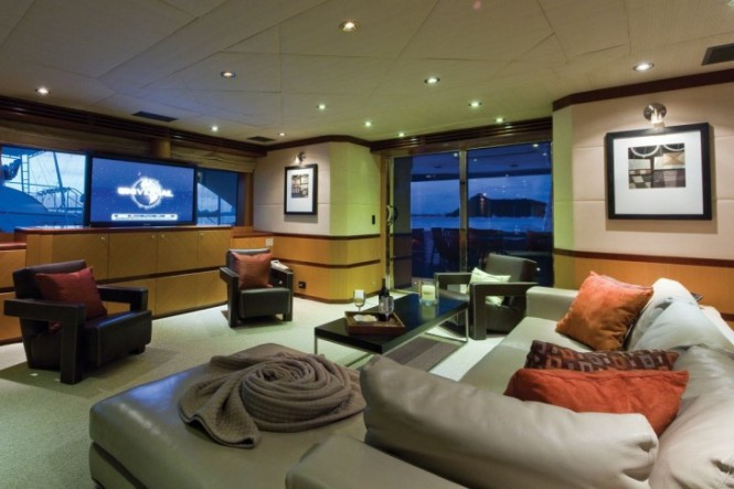 Motor Yacht CHOSEN ONE movies