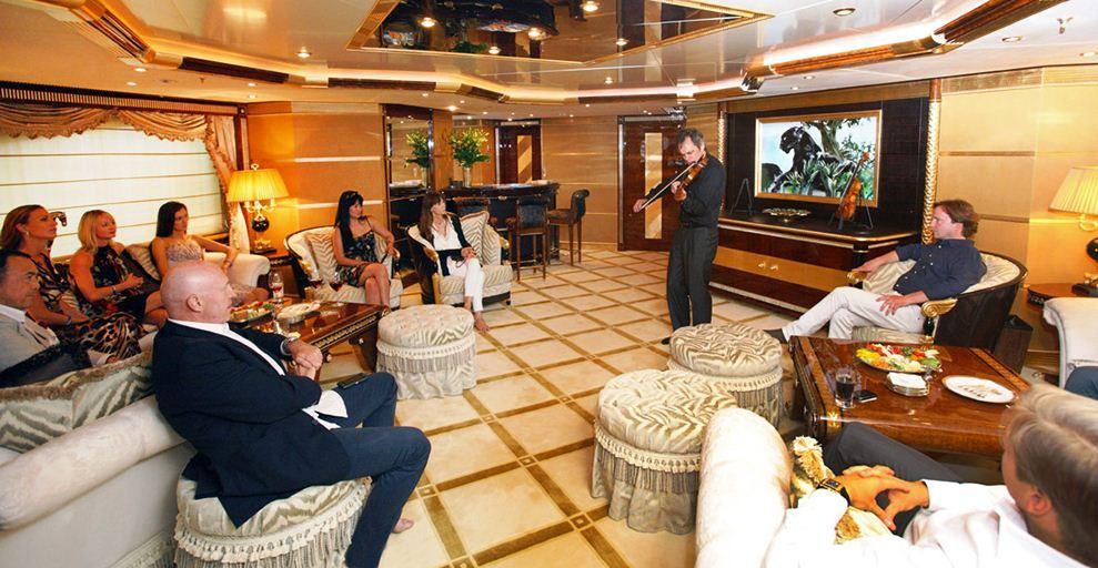 Stradivarius concert on board Benetti motor yacht Bistango
