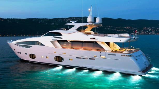 Custom Line 100 series motoryacht  the CL100 by Customline 