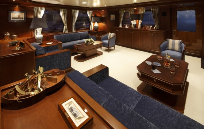 Main saloon of Yacht Axantha II - Photo Credit B. Muncke  JFA 