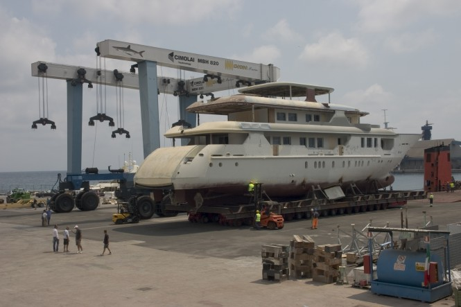 Superyacht VIUDES 45 to be refitted by MONDO MARINE'S Repair & Refit division