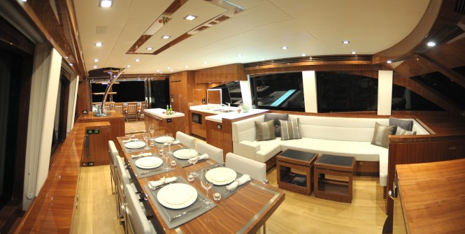 New Ocean Yachts 68 Enclosed Flybridge motoryacht - Stunning timberwork and open plan saloon layout