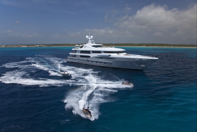 Amles 212 motor yacht Imagine from the Limited Editions series