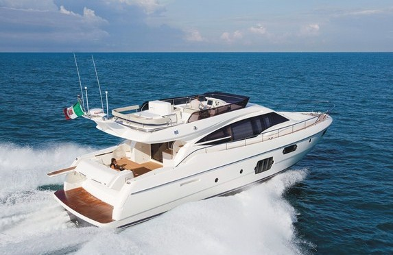 Ferretti 620 motor yacht aft