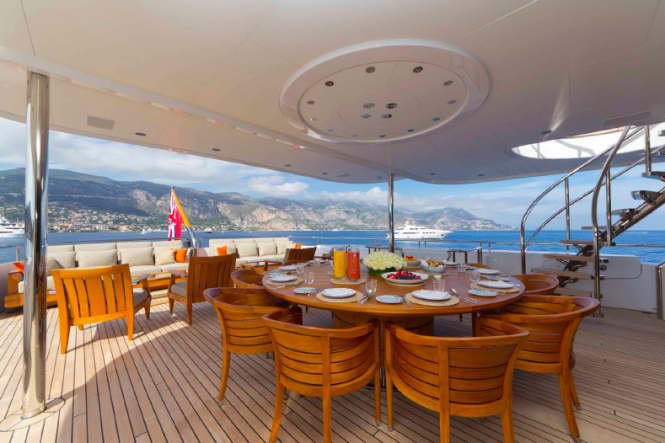 Al fresco dining - charter yacht Troyanda - Photographer: Marc Paris