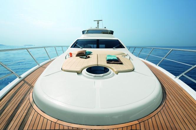 Azimut 64 motor yacht bow view