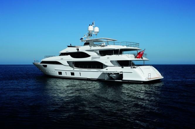 Benetti motor yacht Crystal 140