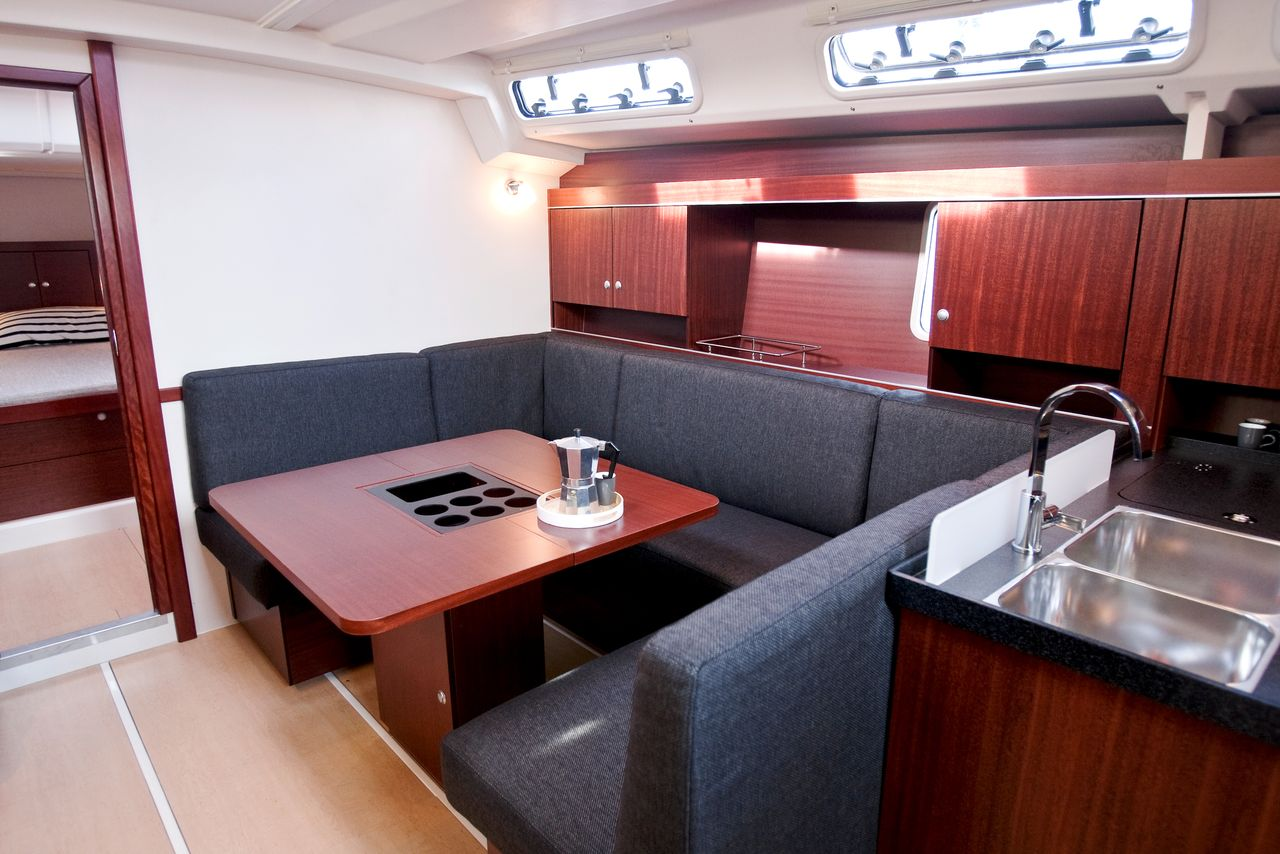 Hanse 445 Yacht interior