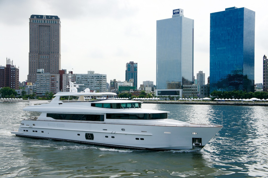 Lady Gaga Motor Yacht by Horizon RP 110 yacht. Per the new owner's request, ...