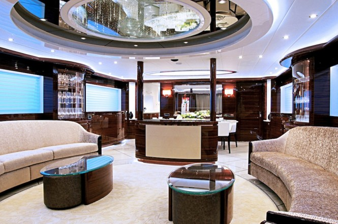 Superyacht Lady Gaga Salon