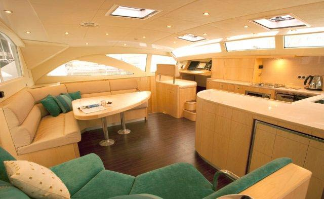 Discovery 50 superyacht´s luxury interior