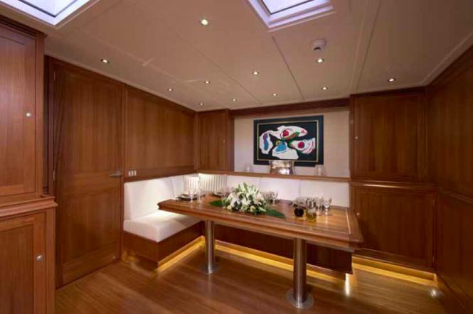 Hoek Designed Lionheart superyacht interior