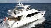 Horizon PC58 superyacht running