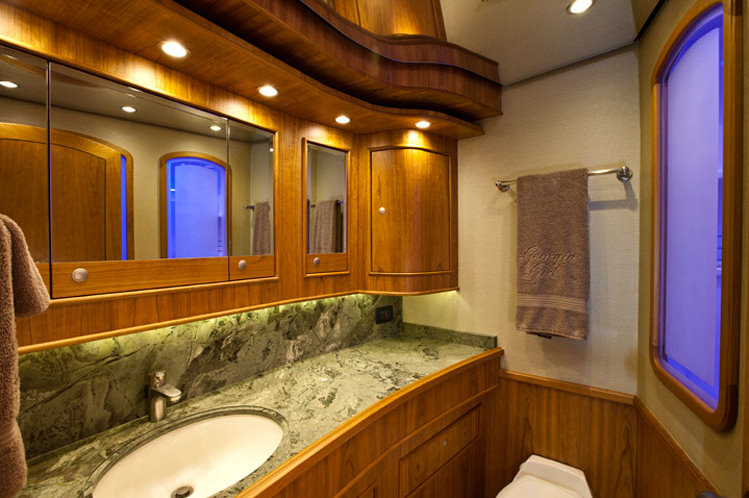 81 Luxury Yacht Georgia Girl Bathroom Luxury Yacht Charter