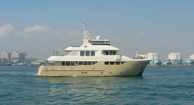 91 foot Jade expedition yacht SMILIN G T