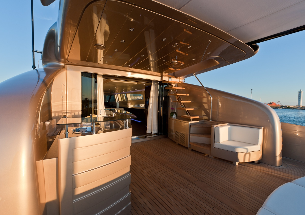 AB 116 yacht Blue Force One - Aft deck - Image credit to AB Yachts