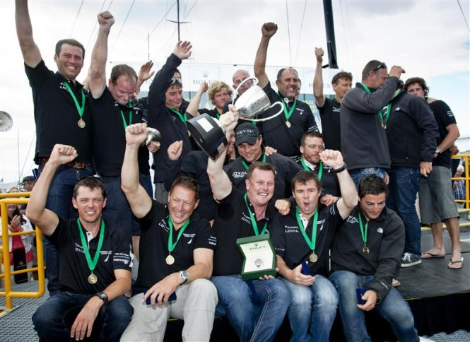 Line Honours Winner INVESTEC LOYALs crew Photo D. Forster