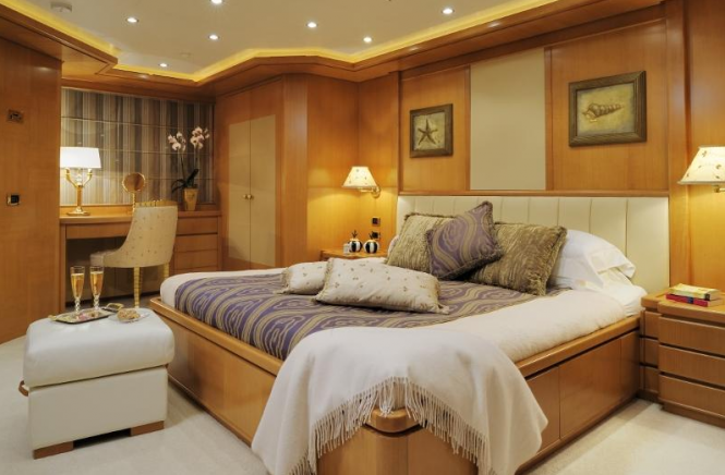 Luxury charter superyacht Axioma - Owner Suite