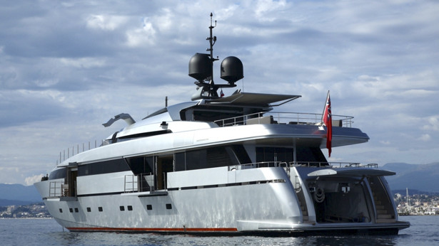 Luxury yacht ONYX by Sanlorenzo. There will debut of the latest addition to ...