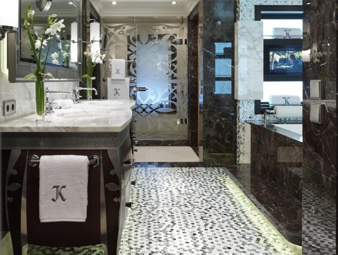 Owner´s Bathroom - Super Yacht Kaiser ©David Churchill