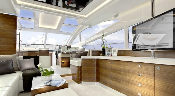 Salon on the luxury yacht HORIZON E54