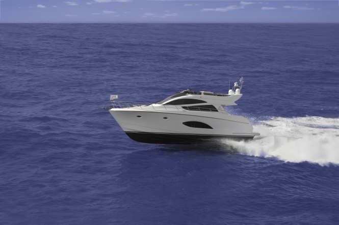 Super Yacht Horizon E54 - sideview