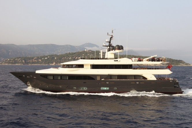 43m CRN Luxury Yacht Lady Trudy 