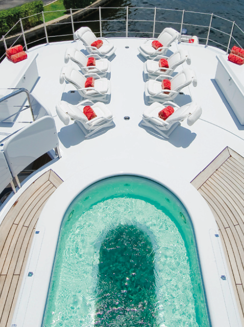 Glass-bottom Spa Pool - Motor Yacht Triumphant Lady