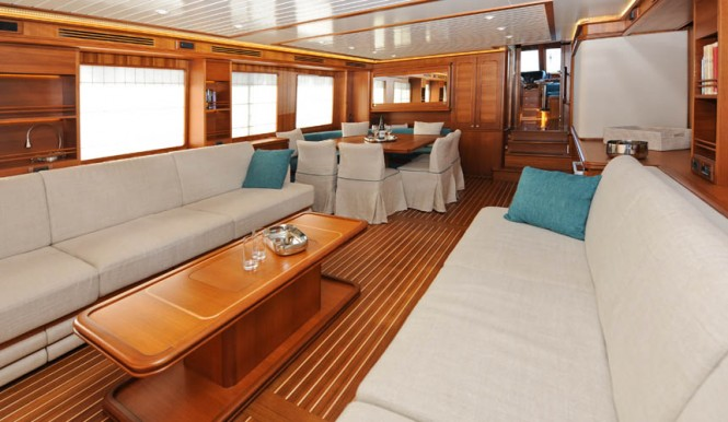 Motor Yacht 76 Aleutian RP Interior