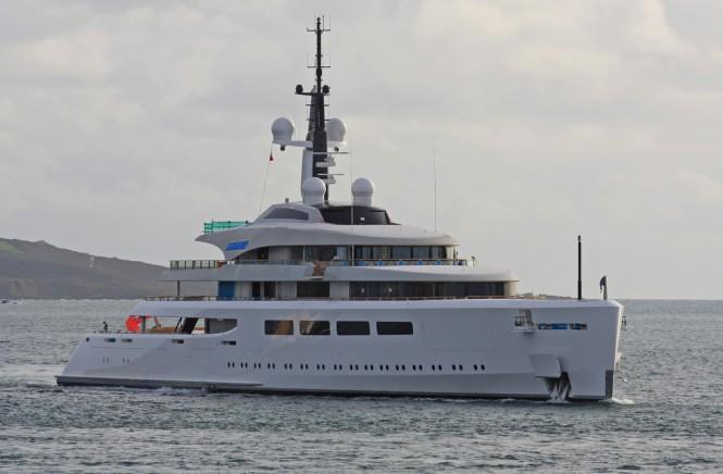 Pendennis Plus 96 m Yacht VAVA II underway