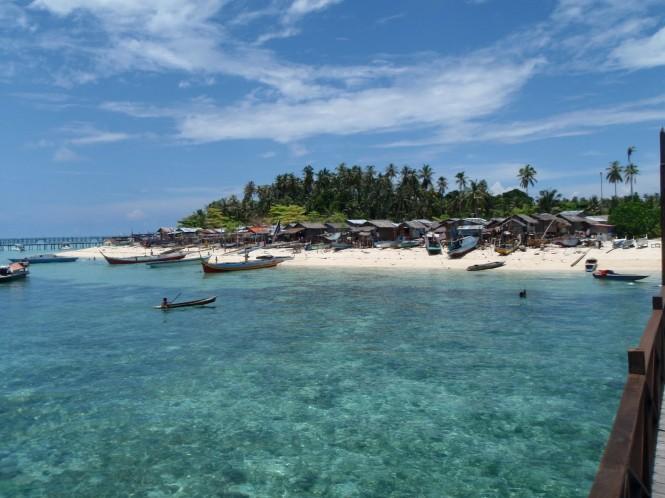 Sipadan Island in the beautiful yacht charter location - Malaysia