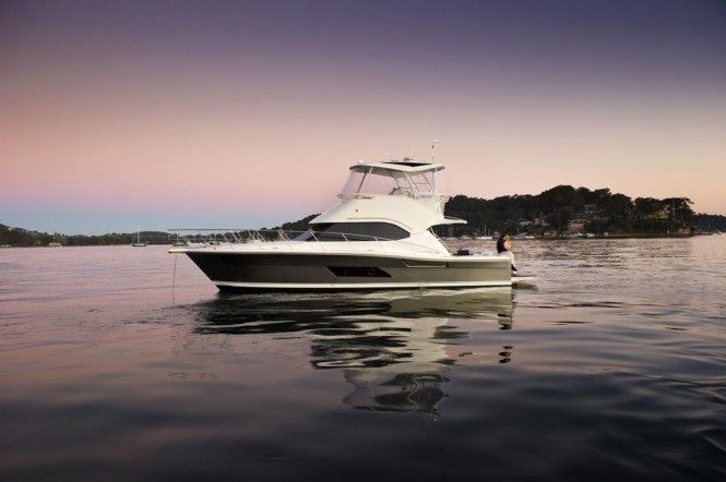 The Riviera 43 Open Flybridge Yacht is one of the Riviera´s most successfull ...