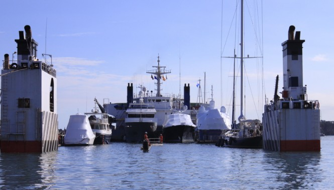 130´ charter yacht Endeavour leaving for the Caribbean