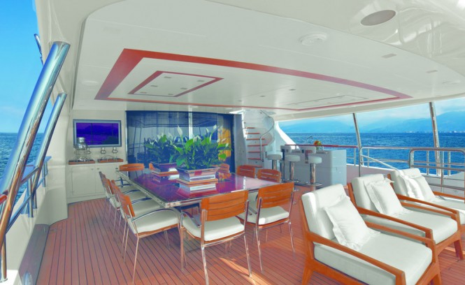 Full relax on board the Classic 121 superyacht Domani