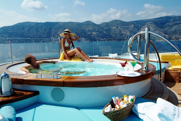 Lurssen charter yacht Oasis - Top Deck Spa Pool Pool