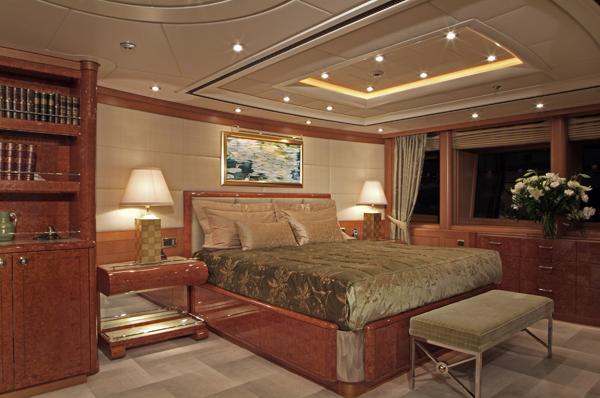 Luxury charter yacht OASIS - Master Suite
