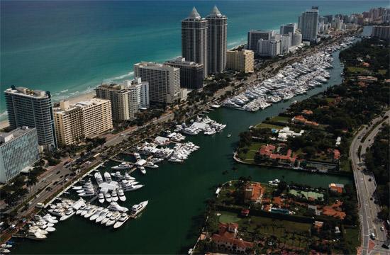Miami Boat Show 2011