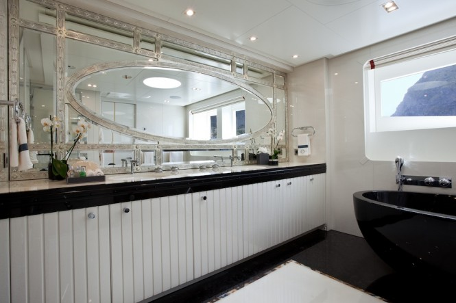 Opulent Owner's Bathroom - Superyacht Quinta Essentia