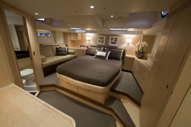 Oyster 625 Luxury Yacht Blue Jeannie Interior