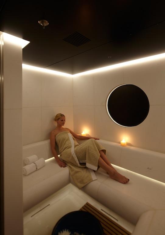 Relax aboard luxury motor yacht Numptia by Rossinavi