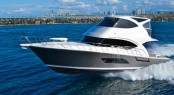 Riviera´s New 53 Enclosed Flybridge Yacht