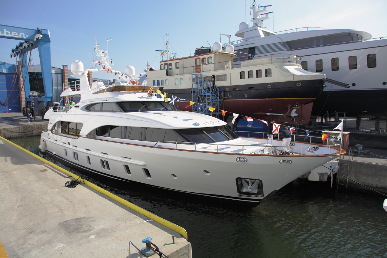 Superyacht MIAMAA - a Benetti Tradition 105 yacht launched in February 2012